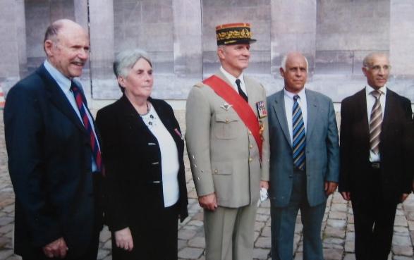 M et Mme Alloua Rebaï, Michel Bibard et le chef des armées, 25-9-2011