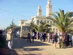 Université d'Alger, vers 2000: la scolarisation des filles, en Algérie comme en Tunisie, débouche sur une autonomie nouvelle